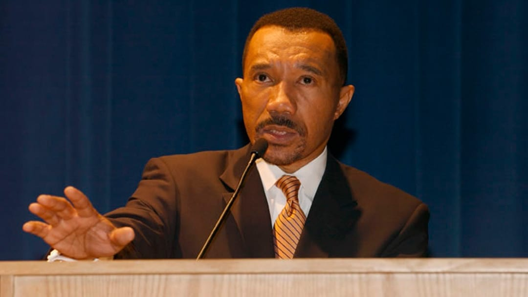 Former NAACP Leader Mfume to Run for Congressional Seat