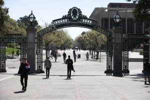 Coronavirus-induced student housing levels could cost UC a billion dollars per year